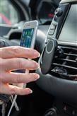 Bezpečnostní držák na mobil do auta, černá