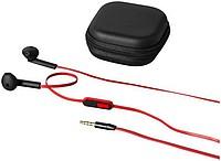Černá sluchátka do uší s plochým červeným kabelem