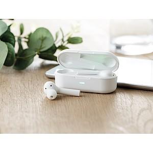 Bezdrátová sluchátka s nabíjecím obalem