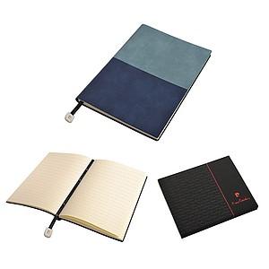 PIERRE CARDIN REPORTER Poznámkový blok modrý, tečkovaný, A5 papírová taška s potiskem