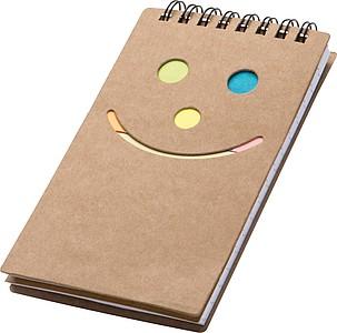 Zápisník se čtverečkovaným papírem a značkovacími lístky