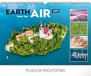 Země ze vzduchu 2019, nástěnný kalendář, prodloužená záda