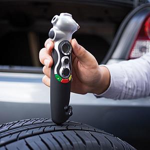 LIMOGRES Multifunkční digitální měřič pneumatik, černá