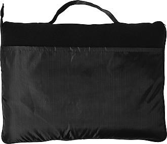 Fleecová deka složitelná do obalu, černá