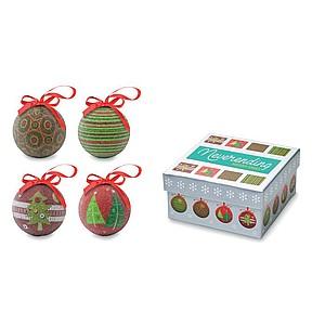 Set čtyř vánočních ozdob s perleťovým lakem.