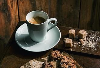 VS TAMBORA sada 6 šálků a podšálků na espresso