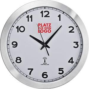 Nástěnné hodiny s rádiově řízeným časem