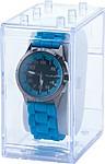 Malé náramkové hodinky s modrým silikonovým páskem