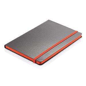 PIPER Černý zápisník A5 s barevnou gumičkou a boční stranou, oranžová