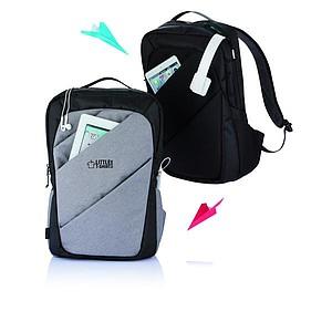 Trendy batoh se třemi kapsami na zip, černá