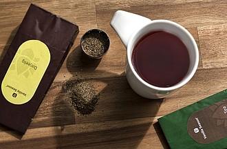 VS MUMBAI SADA hrnku a černého čaje