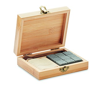 Devět kamenných kostek k chlazení nápojů v bambusové krabičce